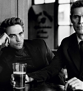 Robert_Pattinson_-_Esquire_UK_Photoshoot_28October__November_201929-04.jpg