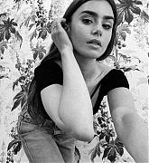 Lily_Collins_-_CR_Fashion_book2C_October_2020-03.jpg
