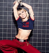 Miley_Cyrus_-_Unknown_Photoshoot_2020_61.jpg