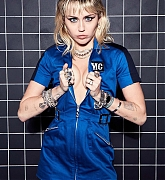 Miley_Cyrus_-_Unknown_Photoshoot_2020_76.jpg