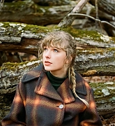 Taylor_Swift_-__evermore__Album_Photoshoot_2020_14.jpg