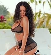 Rihanna_-_Savage_X_Fenty2C_April_2020-10.jpg