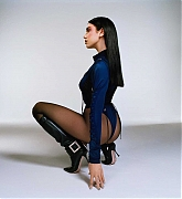 Dua_Lipa_-_Hugo_Comte_photoshoot_for_Future_Nostalgia_-_The_Moonlight_Edition_28February_202129_11.jpg