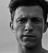 Tom_Holland_-_Esquire_-_March_2021_02.jpg