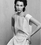 Bella_Hadid_-_Vouge_-_April_2020-05.jpg