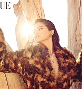 Selena_Gomez_-_Vogue_Mexico_by_Dario_Calmese_December_2020-01.jpg