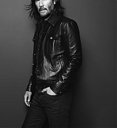 Keanu_Reeves_-_YSL_Photoshoot_2019-01.jpg